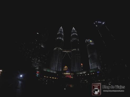 Torres Petronas - Kuala Lumpur (Malasia) por la noche.