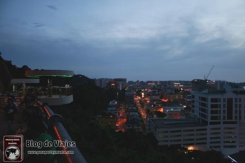 Borneo - Sabah - Kota Kinabalu vistas de la ciudad desde el Observatory Deck (2)-mod