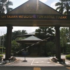 Kuala Lumpur - Tun Abdul Razak Memorial (2)-mod