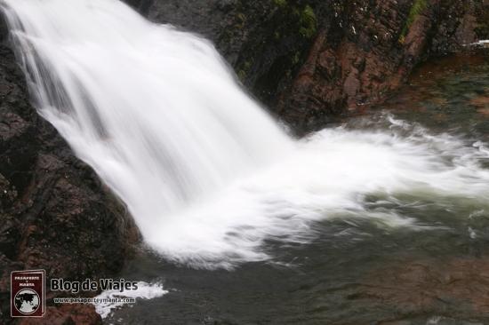Escocia - Cascada The Meeting of the Three Waters Falls (1)