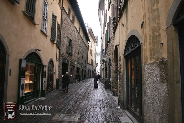 Bergamo Italia - Calles de la Ciudad-mod
