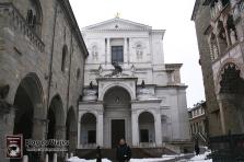 Bergamo Italia - Piazza Duomo (1)-mod