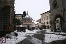 Bergamo Italia - Piazza Duomo (2)-mod