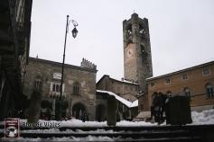 Bergamo Italia - Piazza Vechia (3)-mod