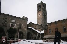 Bergamo Italia - Piazza Vechia (5)-mod