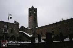 Bergamo Italia - Piazza Vechia (6)-mod